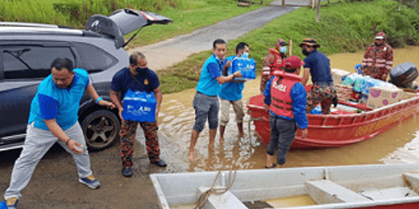 TF Value-Mart Helps Displaced Flood Victims in Pahang